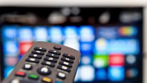 How TV influences our daily life - AskYvi - Feat